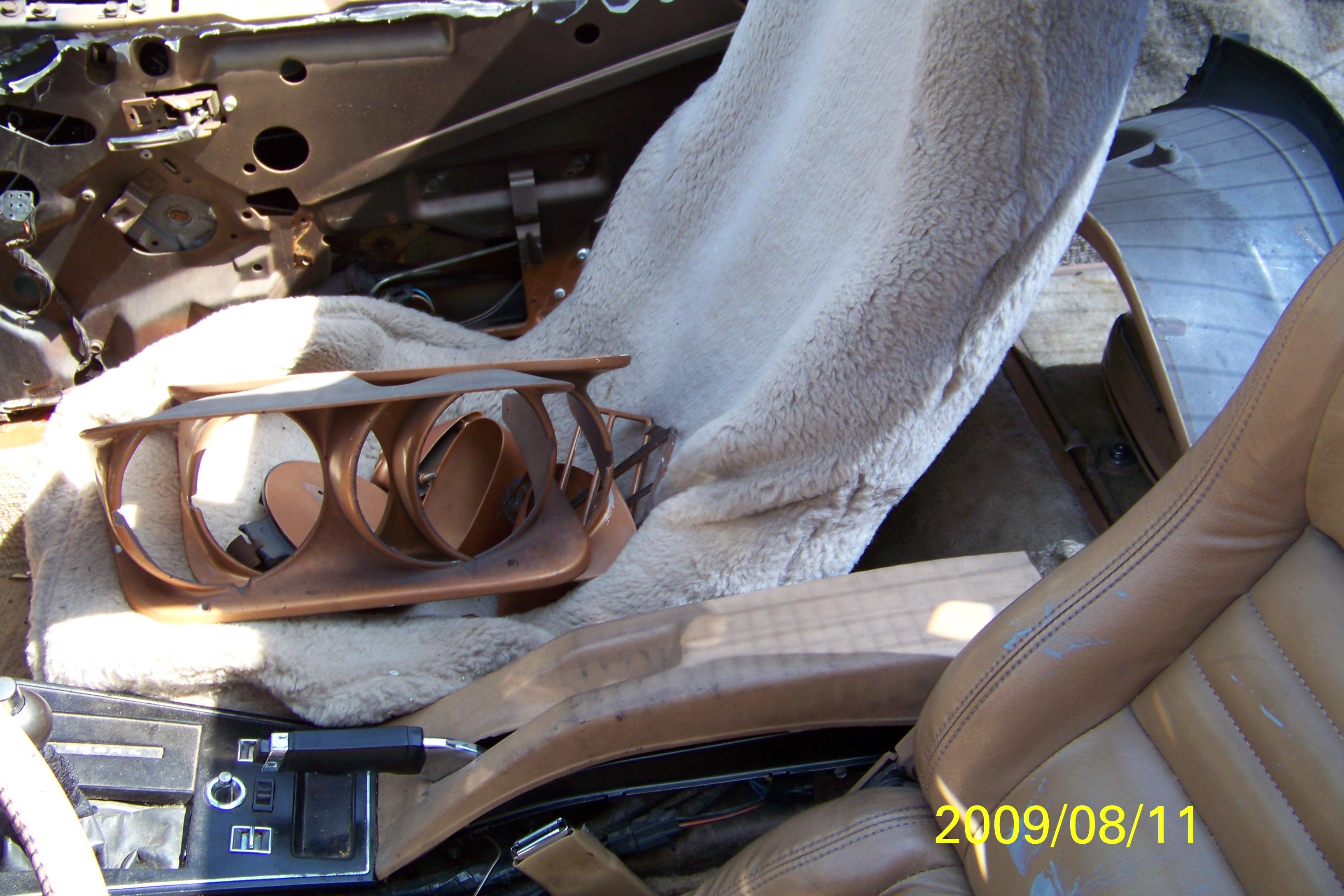 restoration-of-gold-car-022